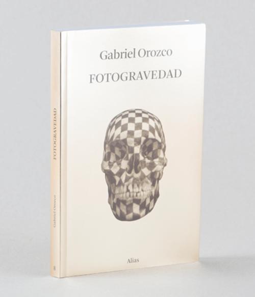 8 Fotogravedad, de Gabriel Orozco.